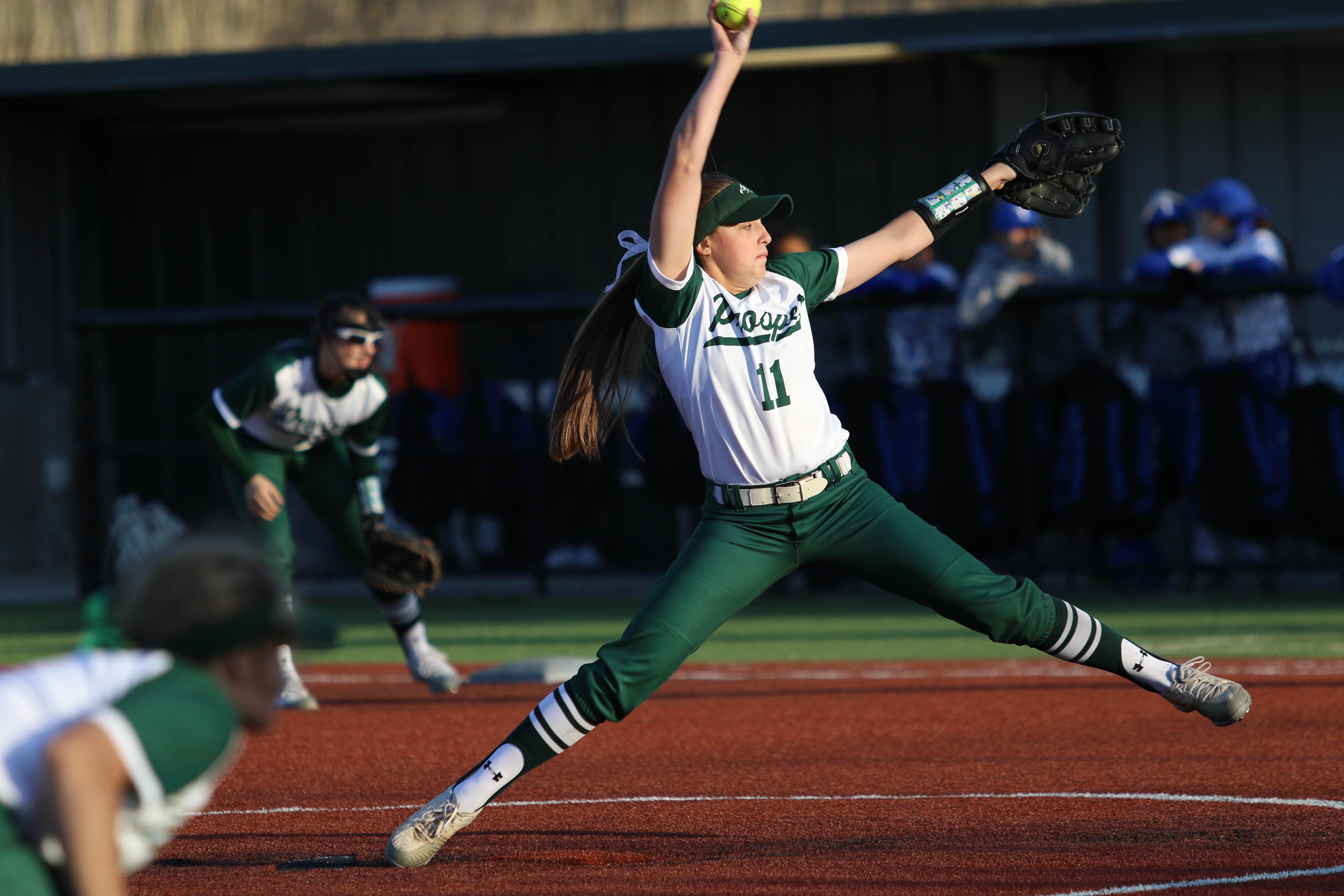 Softball Takes Down RL Turner